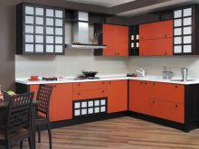 Поперечная укладка ламината в дизайне кухни