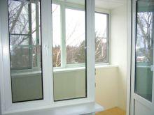 Балконный блок из пластикового профиля Rehau