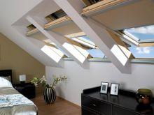 Окна Fakro для спальни в мансардном помещении